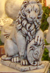 Betong lejon  höger (GA28) Vikt: 40 kg Mått (H): 53 cm