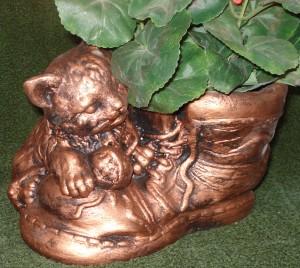 Skourna med katt Koppar, antik, svart  (514-C) Vikt: 34 kg Mått (D): 29 cm